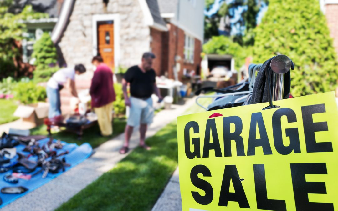 5 Tips for Hosting a Moving Sale