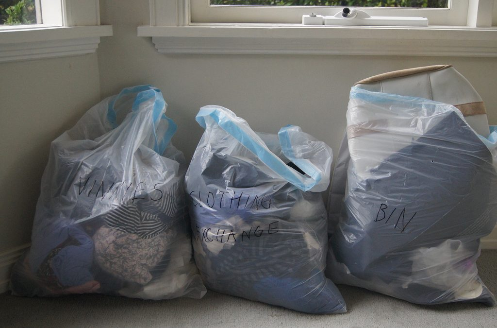 5 Tips and Benefits of Decluttering Before Moving