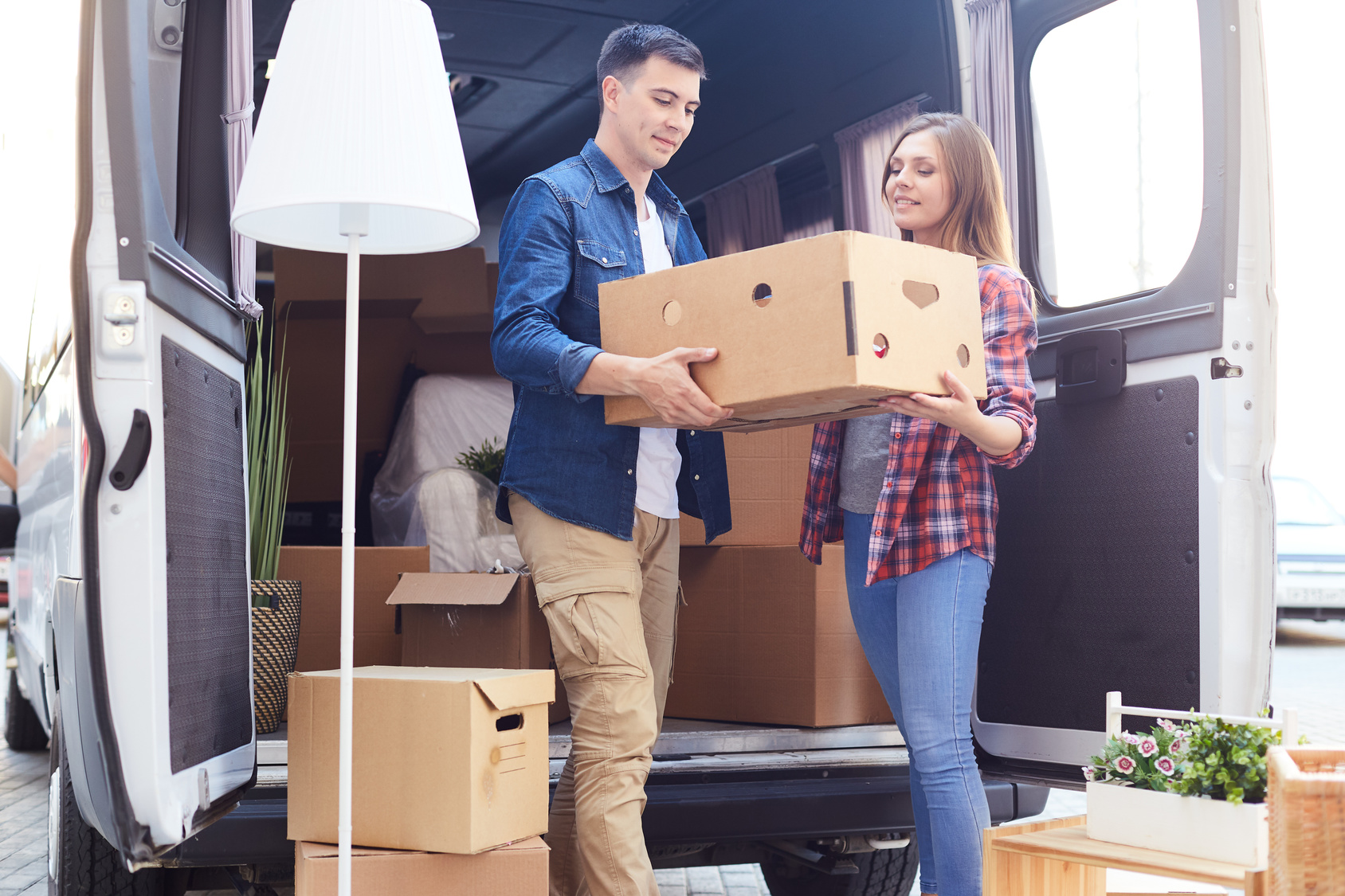 Young-Couple-Moving-Day-Moving-Boxes