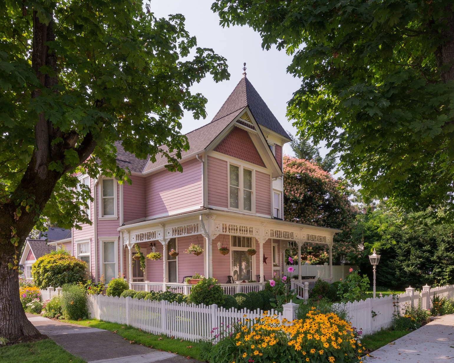 Pink-Victoria-House